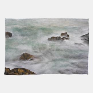 Ondas en rocas toallas de cocina