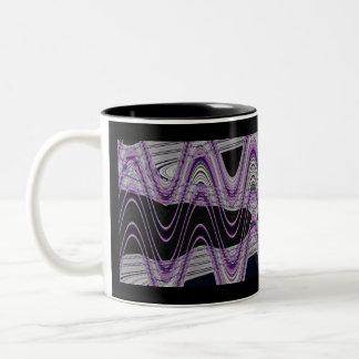 ondas púrpuras del negro taza