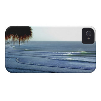 Ondas que practican surf adaptación el iphone de iPhone 4 Case-Mate funda