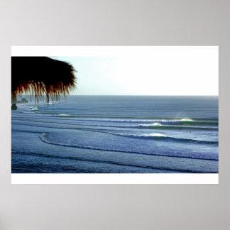 Ondas que practican surf adaptación el poster de B Póster