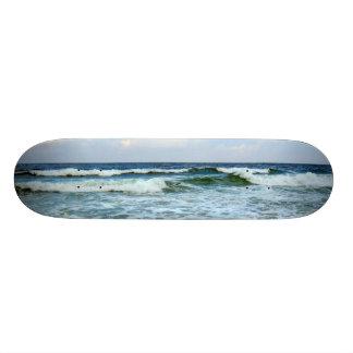 Ondas que se estrellan skate boards