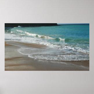 Ondas que traslapan en la impresión de la playa impresiones