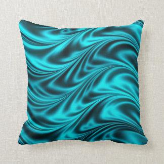 Ondas sedosas negras de la aguamarina almohada