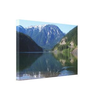 Ondulación en las montañas de la cascada, WA, Impresión En Lienzo
