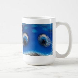 Ondulación feliz del azul de la pastinaca de los o tazas