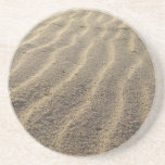 Ondulaciones de la arena de la playa posavasos diseño