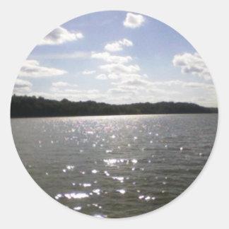 ondulaciones del lago pegatina redonda