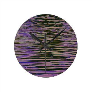 Ondulaciones violetas reloj de pared