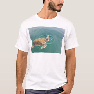 One big swimming sea turtle Caretta T-Shirt