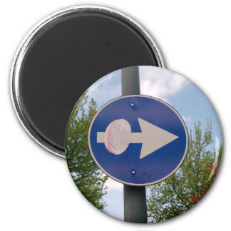 One euro one way magnet