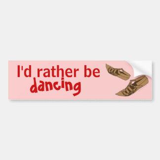 Opanke que el baile popular calza la identificació pegatina de parachoque