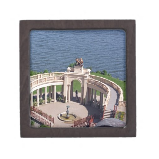 Open arms for peace and calm orangerie schwerin premium trinket boxes