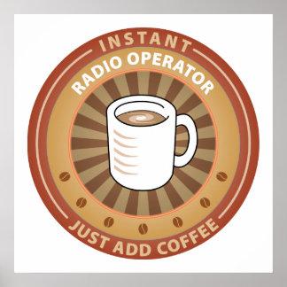 Operador de radio inmediato póster