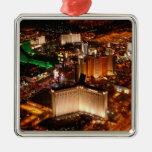 Opinión aérea de Las Vegas de un dirigible no Adorno Navideño Cuadrado De Metal