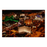 Opinión aérea de Las Vegas de un dirigible no rígi Posters