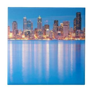Opinión azul de la hora de Seattle céntrica Teja Cerámica