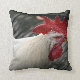opinión blanca de la cabeza del gallo cojín decorativo