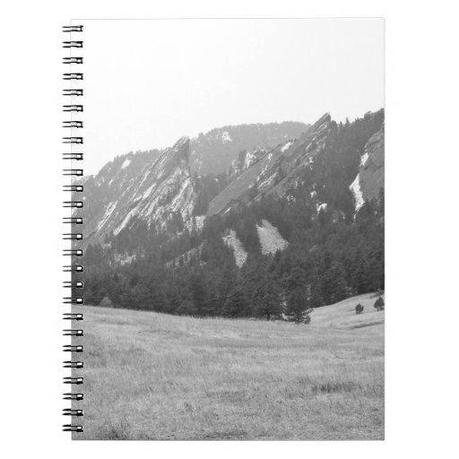 Opinión BW del invierno de Flatirons Boulder Color Libros De Apuntes