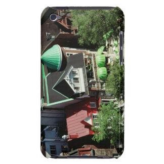 Opinión de alto ángulo de la vecindad, Canadá iPod Case-Mate Fundas