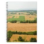 Opinión de alto ángulo de un campo, provincia de S Cuadernos