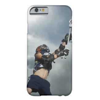 Opinión de ángulo bajo el jugador de jai-alai funda de iPhone 6 barely there