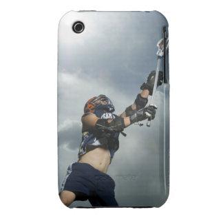 Opinión de ángulo bajo el jugador de jai-alai iPhone 3 cobreturas