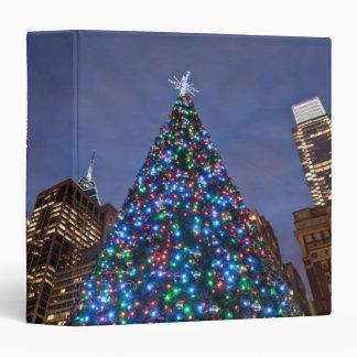 """Opinión de ángulo bajo en el árbol de navidad carpeta 1 1/2"""""""