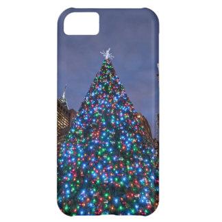 Opinión de ángulo bajo en el árbol de navidad ilum funda iPhone 5C