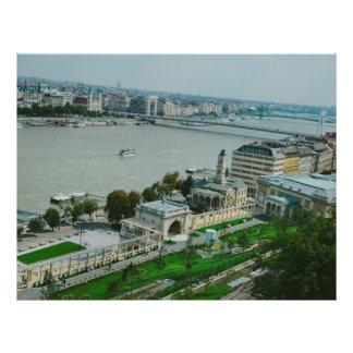 """Opinión de Budapest Folleto 8.5"""" X 11"""""""