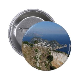 Opinión de Capri de la isla con Faraglioni en la p Pin