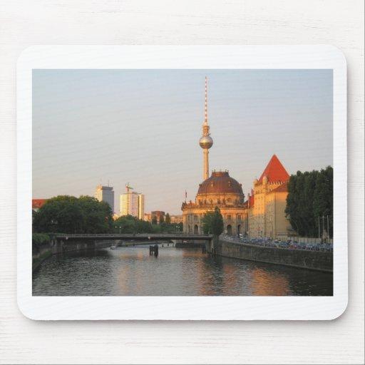 Opinión de la ciudad de Berlín sobre la diversión  Tapetes De Raton