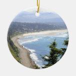 Opinión de la costa de Oregon Adorno Navideño Redondo De Cerámica