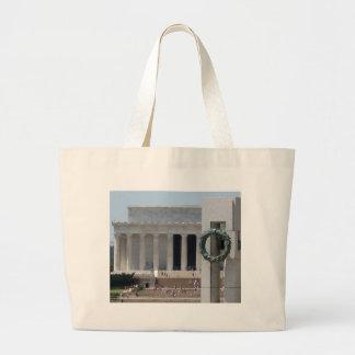 Opinión de la foto del Lincoln memorial de WWII me Bolsas De Mano