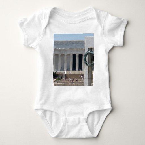 Opinión de la foto del Lincoln memorial de WWII Playera