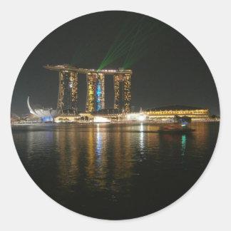 Opinión de la noche de Singapur Etiquetas Redondas