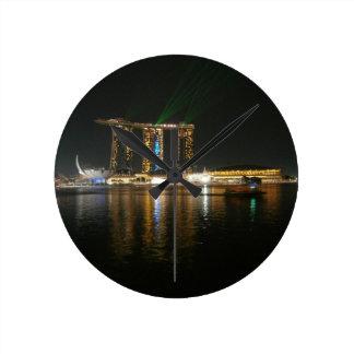 Opinión de la noche de Singapur Relojes De Pared