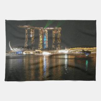 Opinión de la noche de Singapur Toalla De Cocina