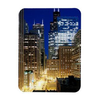 Opinión de la noche del paisaje urbano de Chicago Iman