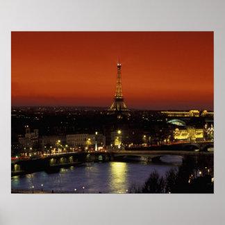 Opinión de la puesta del sol de Francia, París de  Póster