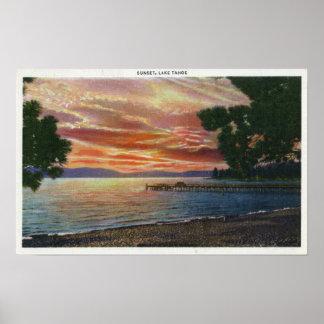 Opinión de la puesta del sol de la línea de la pla póster