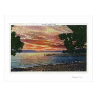 Opinión de la puesta del sol de la línea de la tarjetas postales