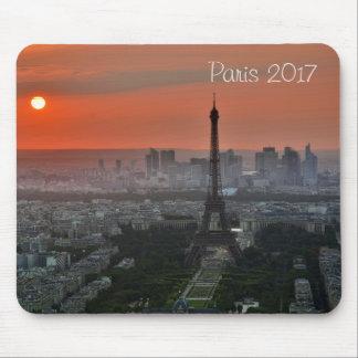 Opinión de Lanscape de la torre Eiffel, París Tapete De Ratones