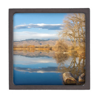 Opinión de las reflexiones del lago mountain caja de regalo de calidad