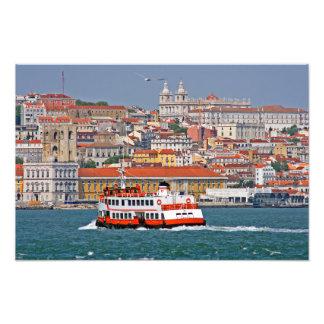 Opinión de Lisboa del río Tagus Impresión Fotográfica