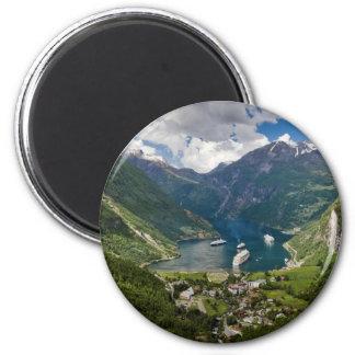 Opinión de Noruega a Geiranger de Flydalsjuvet Imán Redondo 5 Cm