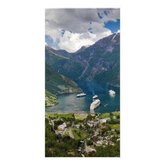 Opinión de Noruega a Geiranger de Flydalsjuvet Plantilla Para Tarjeta De Foto