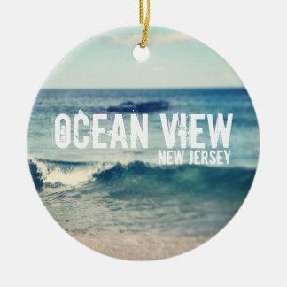 Opinión de océano 2013 - recuperación en la orilla adorno redondo de cerámica