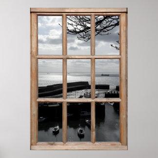 Opinión de plata del mar de una ventana póster