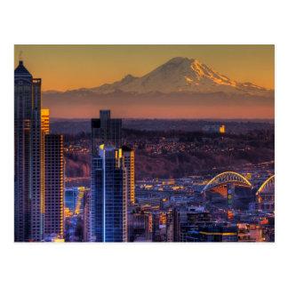 Opinión de Seattle céntrica, fútbol del paisaje ur Postales
