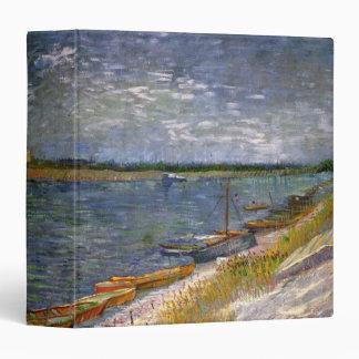 """Opinión de Van Gogh del río con los barcos de Carpeta 1 1/2"""""""